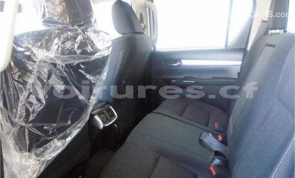 Acheter Importé Voiture Toyota Hilux Blanc à Import - Dubai, Bamingui-Bangoran