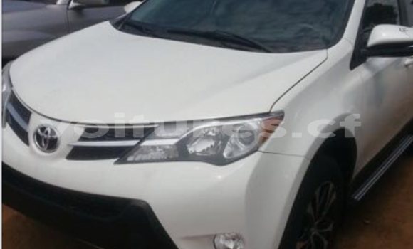 Acheter Occasion Voiture Toyota RAV4 Blanc à Bangui, Commune de Bangui
