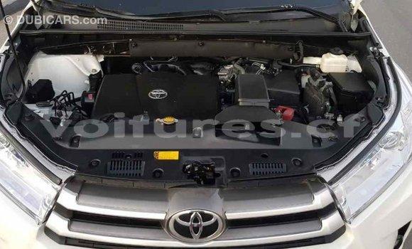 Acheter Importé Voiture Toyota Highlander Blanc à Import - Dubai, Bamingui-Bangoran