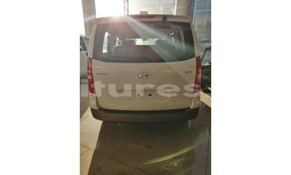 Acheter Importé Voiture Hyundai Accent Blanc à Import - Dubai, Bamingui-Bangoran