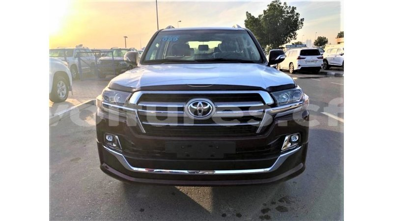 Big with watermark toyota land cruiser bamingui bangoran import dubai 3448