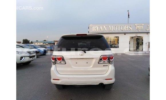 Acheter Importé Voiture Toyota Fortuner Blanc à Import - Dubai, Bamingui-Bangoran